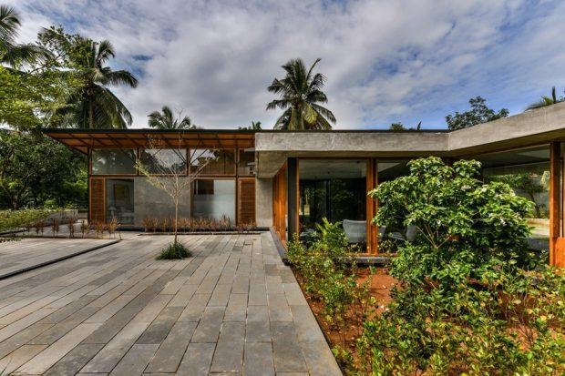 บ้านโมเดิร์นคอนกรีตผสมไม้