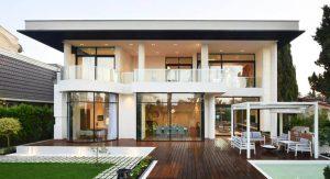 บ้านหลังใหญ่สไตล์ร่วมสมัย