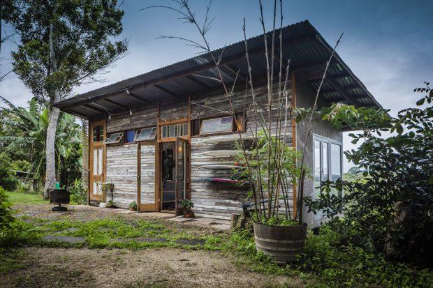 บ้านเล็ก ๆ จากของเหลือทิ้ง