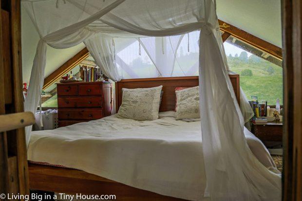 ห้องนอนตกแต่งสบาย ๆ