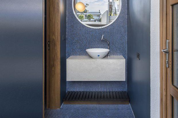 ห้องน้ำโทนสีขาว-น้ำเงิน
