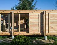 บ้านชั้นเดียวโครงสร้างไม้ผนังกระจก