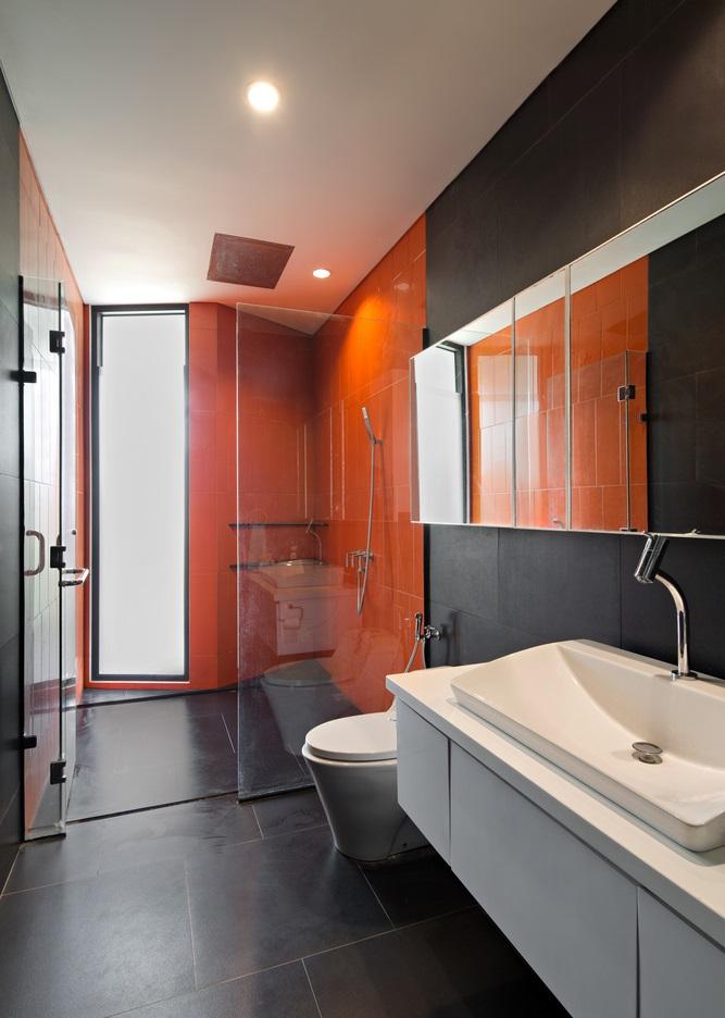 ห้องน้ำโทนสีส้มดำ