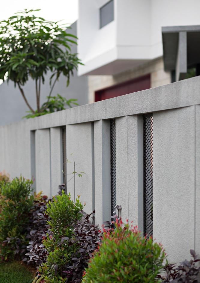 ปลูกต้นไม้ริมรั้วบ้าน