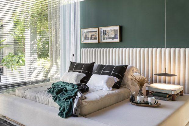 ห้องนอนโทนสีขาวเขียว