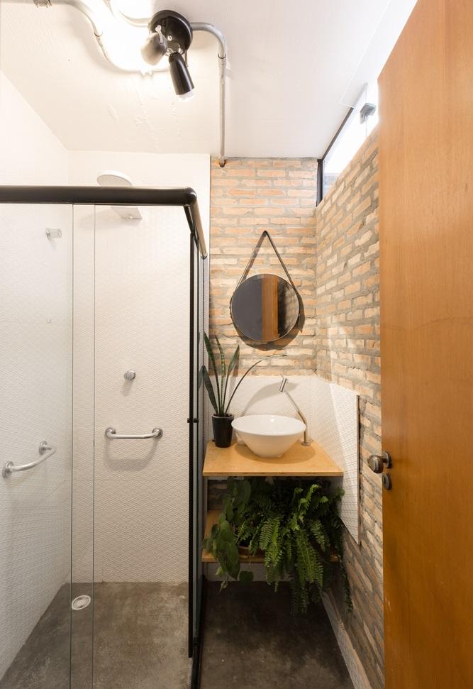ห้องน้ำตกแต่งผนังอิฐเก่าโชว์แนว