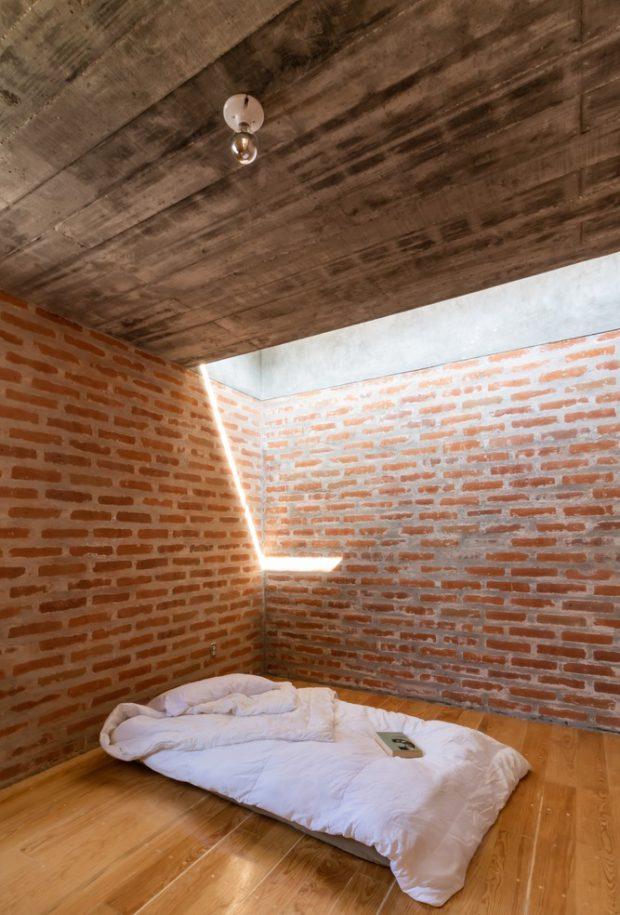 ห้องนอนเจาะเพดานใส่ช่องแสง skylight