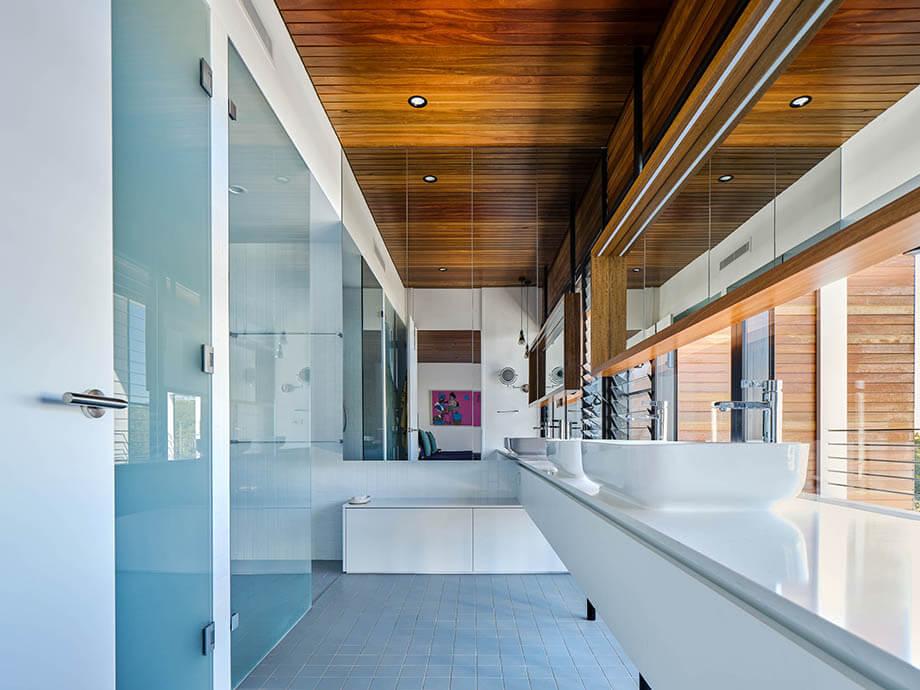 ประตูกระจกกั้นอาบน้ำ
