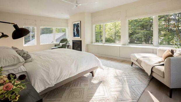 ห้องนอนสีสว่าง