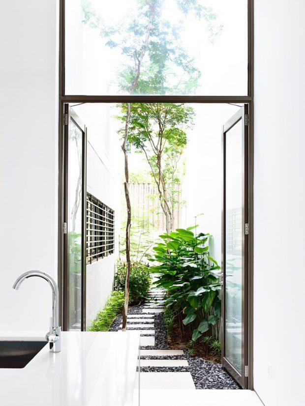 ครัวผนังกระจกเชื่อมต่อสวน