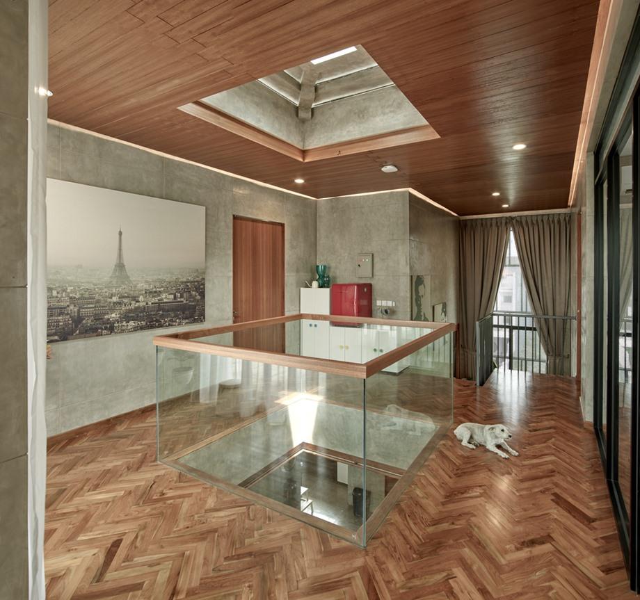 พื้นบ้านและฝ้าเพดานตกแต่งไม้