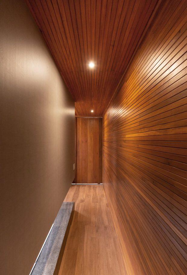 ผนังและเพดานกรุด้วยไม้