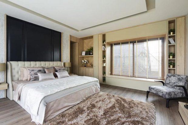 ห้องนอนมีเบย์วินโดว์ขนาดใหญ่