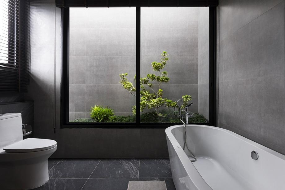 เรือนกระจกปลูกต้นไม้ในห้องน้ำ