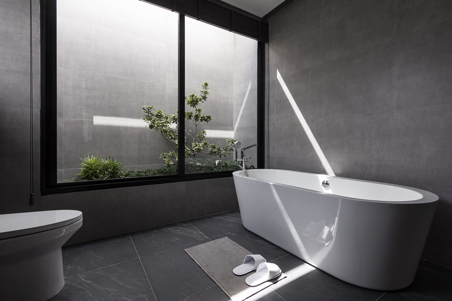 มิติของแสงเงาที่ตกกระทบในห้องน้ำ