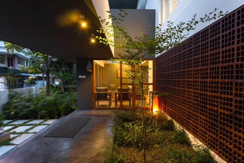 ผนังเปิดเชื่อมต่อสวนข้างบ้าน