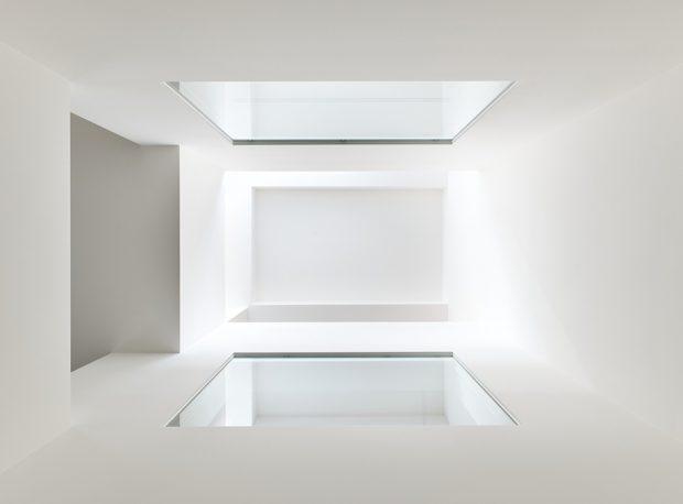 เพดานบ้านสีขาว