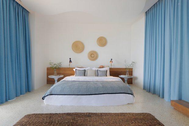 ห้องนอนโทนสีขาวฟ้า
