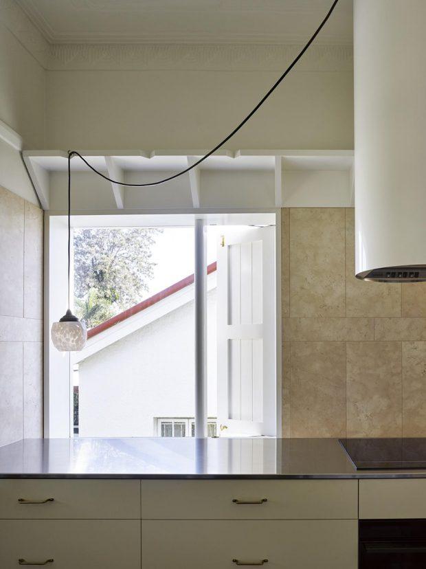 หน้าต่างระบายอากาศในครัว