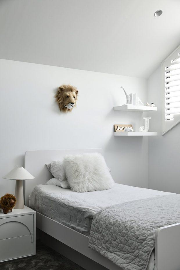 ห้องนอนสีขาว