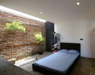 ห้องนอนโปร่งสว่างมี skylight