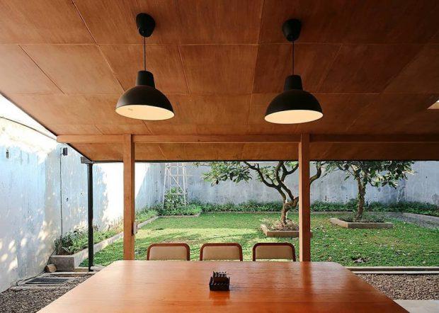 โต๊ะทานข้าวเชื่อมต่อสวน