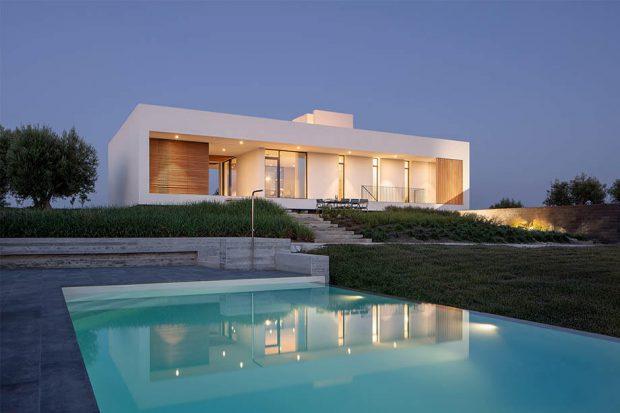 บ้านทรงกล่องสีขาว