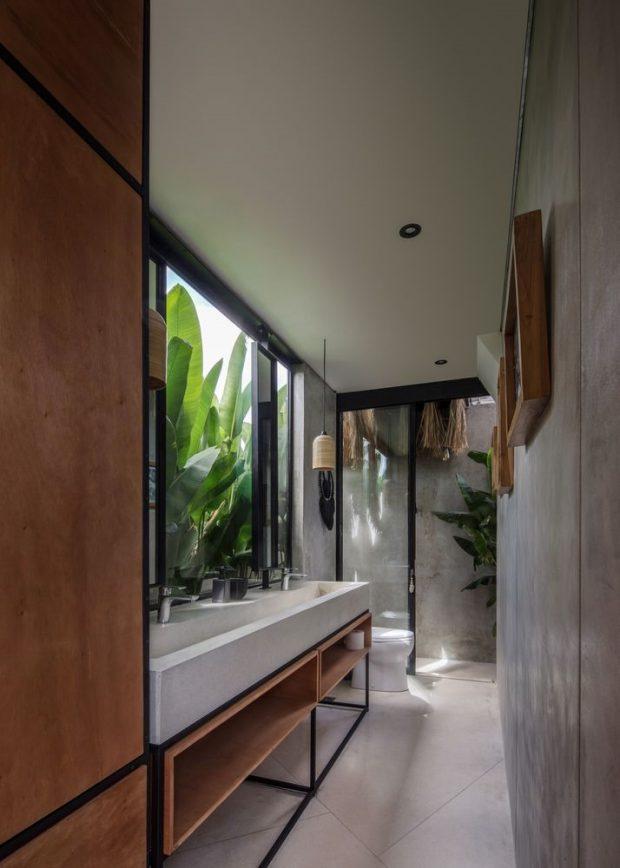 ห้องน้ำโปร่งๆ จัดสวนข้างใน