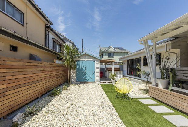 จัดสนามหญ้าและกรวดหน้าบ้าน