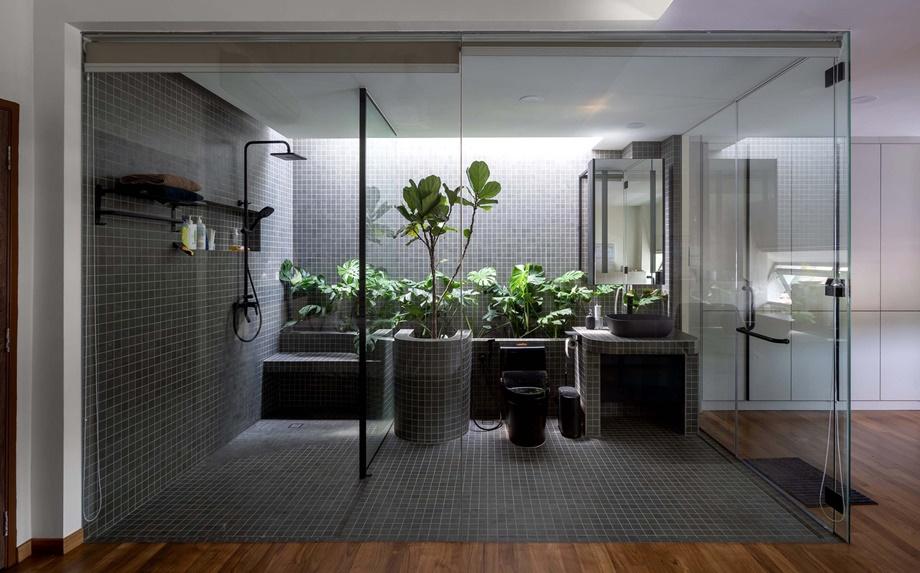 ห้องน้ำกว้าง ๆ ผนังกระจก