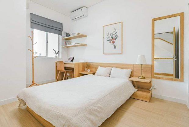 ห้องนอนบิลท์ตัวเตียงด้วยไม้สีอ่อนๆ