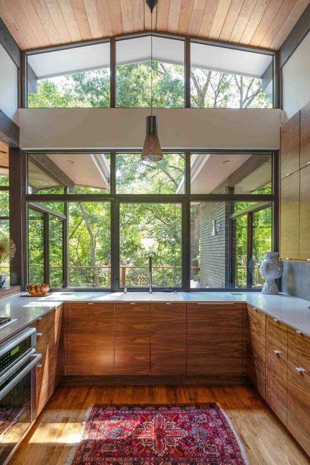 ช่องหน้าต่างห้องครัว