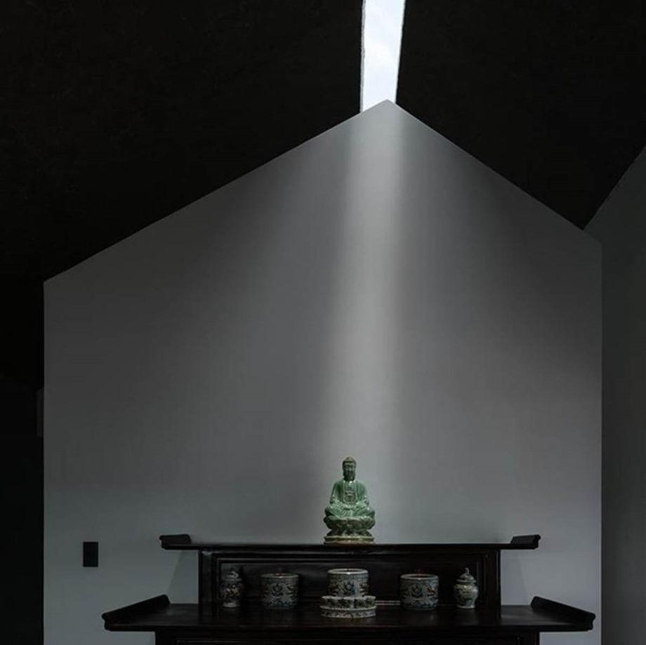 ช่องแสง skylight ที่ห้องพระ
