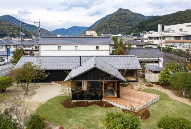 บ้านญี่ปุ่นร่วมสมัยชานบ้านทแยงมุม