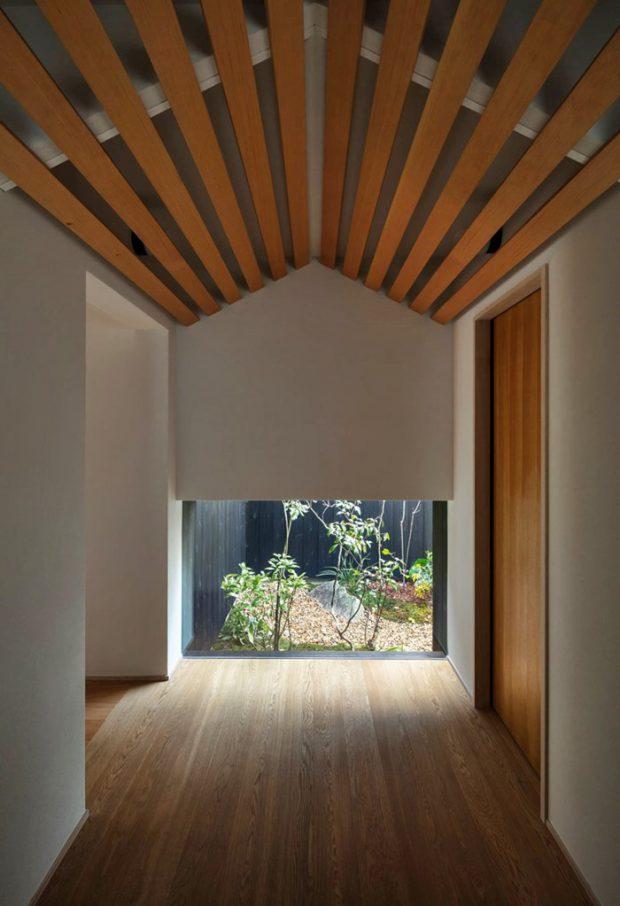 ซุ้มประตูไม้ทางเข้าสไตล์ญี่ปุ่น