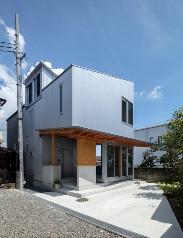 บ้านหลังคาและผนังเมทัลชีทหลังคาเฉียงสูง