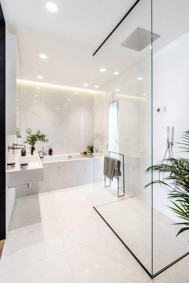 ห้องน้ำโทนสีขาวสไตล์โมเดิร์น