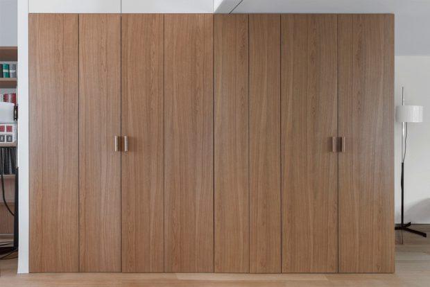 บานประตูปิดซ่อนครัว