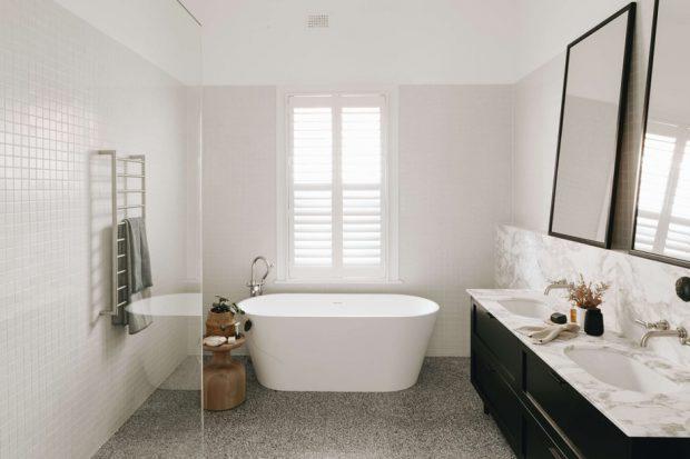 ห้องอาบน้ำโทนสีขาวดำ