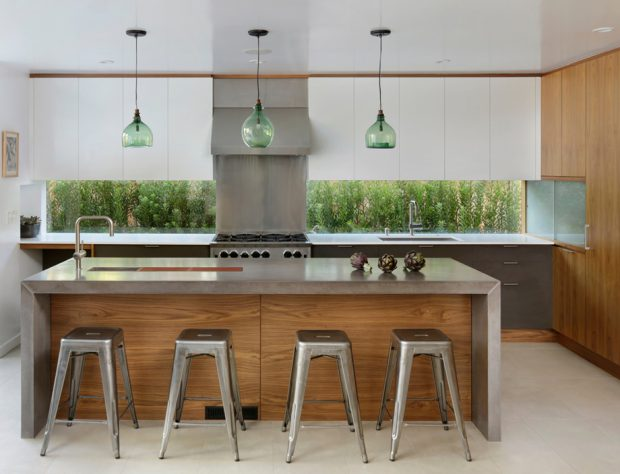 ช่องแสงแนวนอนยาวตามเคาน์เตอร์ครัว