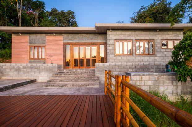 บ้านยั่งยืนจากวัสดุราคาถูก