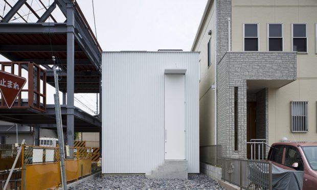 บ้านเล็กแคบระหว่างซอกตึก