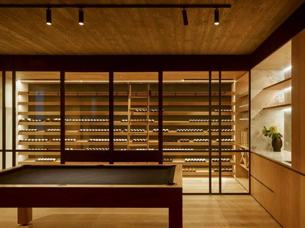 ห้องเก็บไวน์ชั้นใต้ดิน