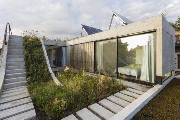 บ้านผนังกระจกมี roof garden