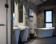 ห้องอาบน้ำมองเห็นวิวทะเล