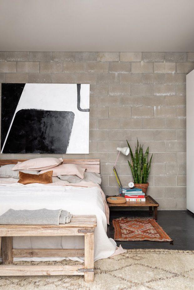ห้องนอนก่อผนังบล็อกคแนกรีตโชว์พื้นผิว