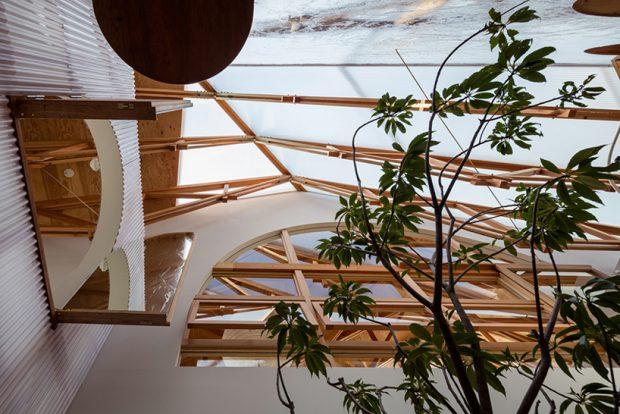 โครงหลังคาไม้มุงวัสดุโปร่งแสง