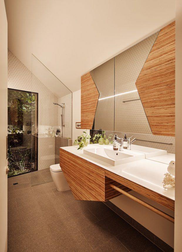ห้องน้ำตกแต่งไม้และกระจกสวยๆ